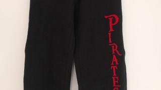 long-pants-schwarz-mit-Druck-front
